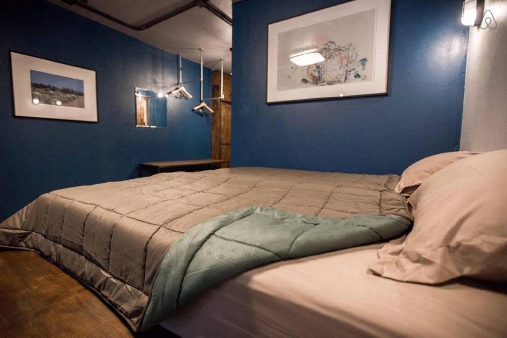 Nimman Best Industrial Loft in Blue